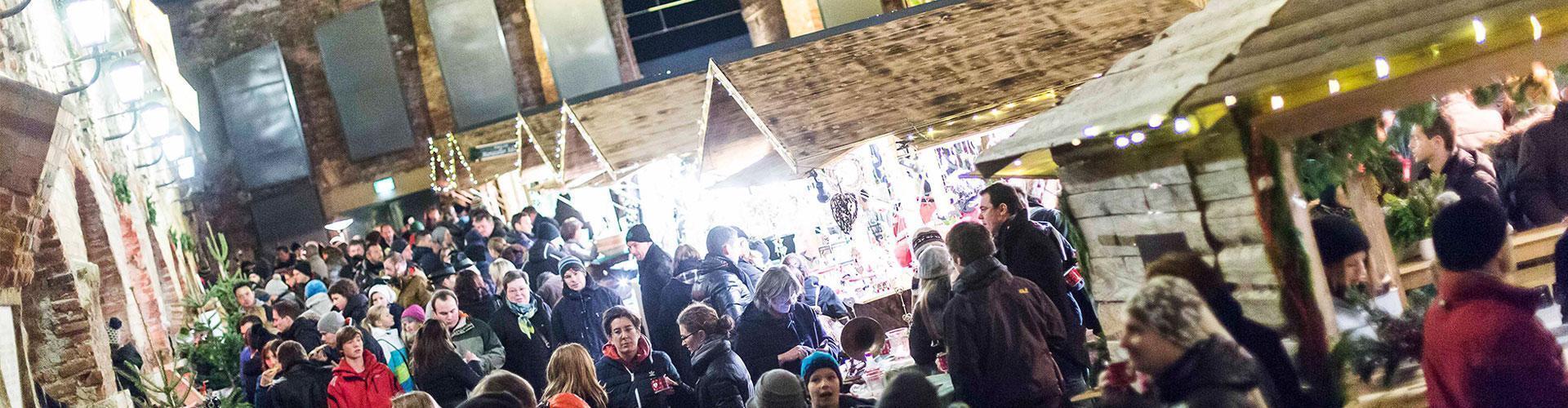 slide_weihnachtsmarkt-aufsteirern